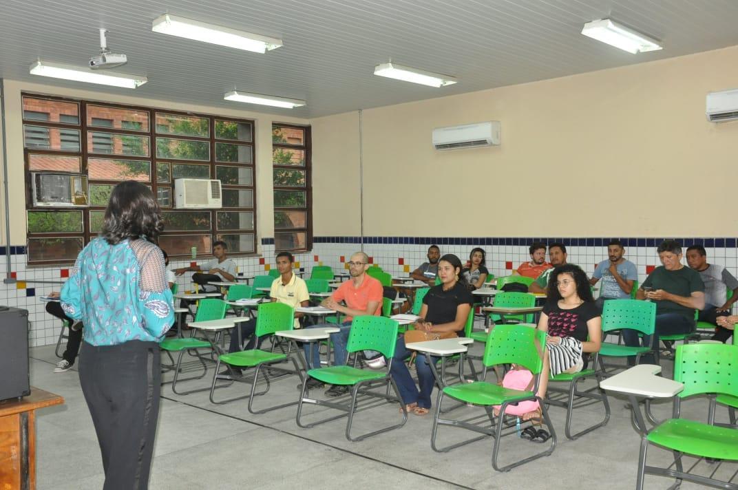 """Alunos do Instituto Comrádio do Brasil participam de módulo  sobre """"Recursos de Opinião"""" em Floriano – PI"""