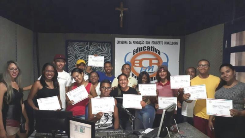 Alunos do IComradio concluem estágio na Rádio Cristo Rei FM