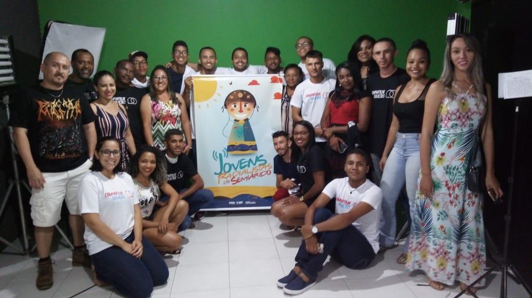 Alunos do Projeto Jovens Radialistas do Semiárido participam de aula de edição de vídeos no Espaço Pixel em Teresina – PI